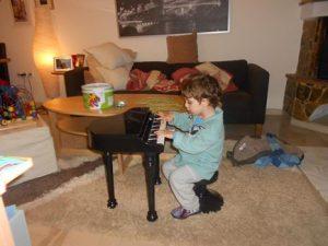 αυτισμός, εργοθεραπέια, μουσικοθεραπεία στα βριλήσσια