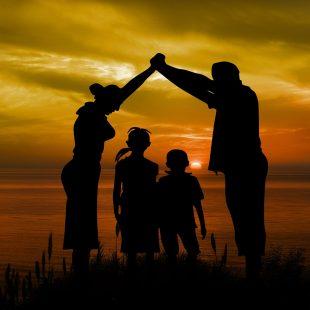 οικογενεια-ανατροφη